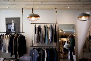 clothing-store-984396_640.jpg