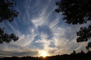 clouds-2183512_640.jpg